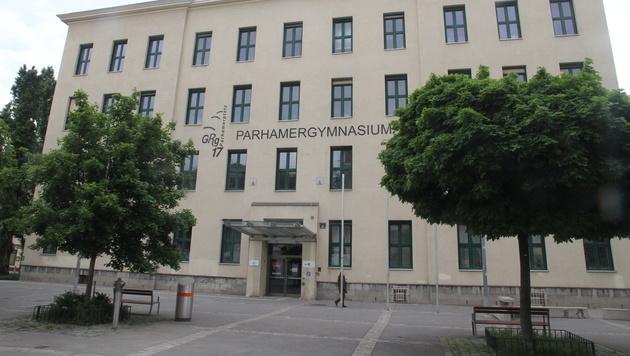 In diesem Gymnasium in Wien-Hernals tauchte der Folder auf. (Bild: Andi Schiel)