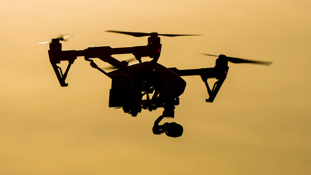 Drohne gefährdet Notarzthubschrauber bei Landung (Bild: APA/dpa-Zentralbild/Patrick Pleul (Symbolbild))