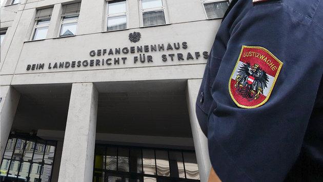 Gerangel mit Sextäter: Nun wird Beamtin angezeigt (Bild: APA/ROLAND SCHLAGER, Martin A. Jöchl)