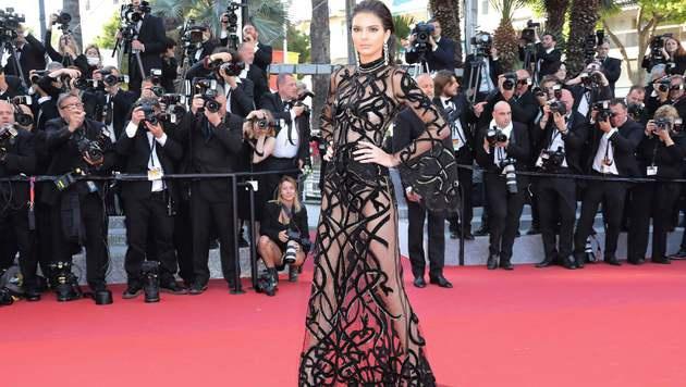 Sehr heiß! Kendall Jenner in ihrer Gucci-Robe (Bild: AFP)