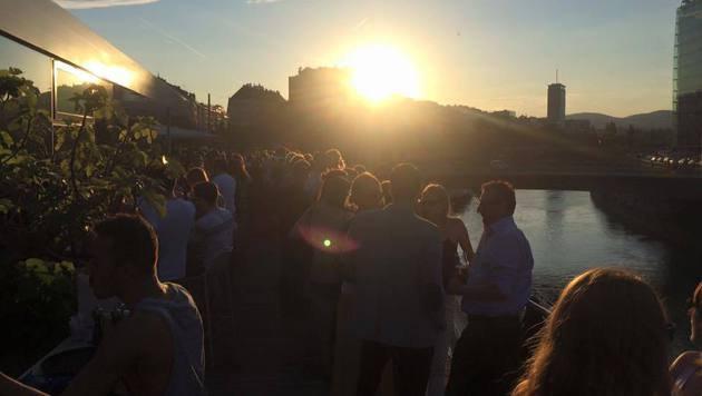 """Neue Hotspots am Partykanal (Bild: Facebook.com)"""