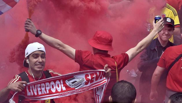 EL-Finale: Liverpool-Fans nebeln Basel ein (Bild: AP)