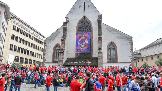 EL-Finale: Liverpool-Fans nebeln Basel ein (Bild: GEPA)