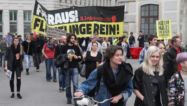 Wien: 300 demonstrierten gegen Norbert Hofer (Bild: Andi Schiel)
