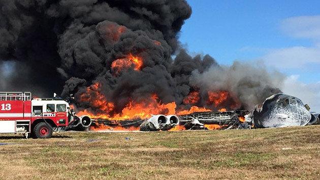 US-Bomber auf der Pazifikinsel Guam abgestürzt (Bild: Twitter.com)