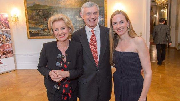 Elisabeth Gürtler, Maria Großbauer, Thomas Schäfer-Elmayer (Bild: Viennareport)