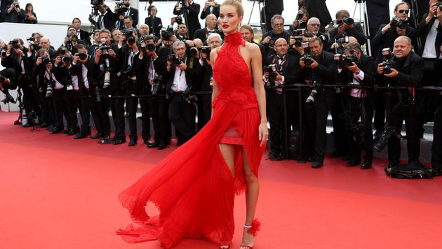 Rosie Huntington-Whiteley in Alexandre Vauthier (Bild: AFP)