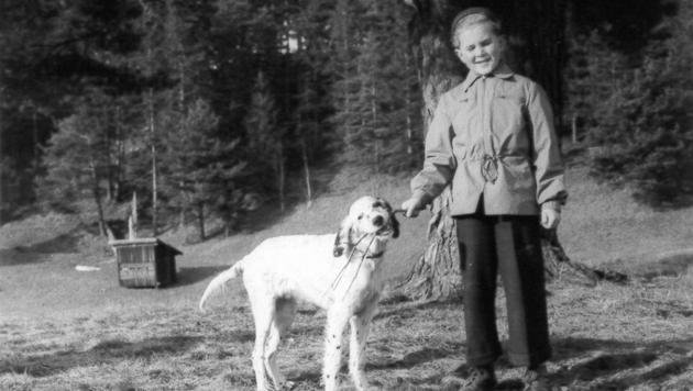 """Als achtJähriger mit Familienhund """"Ralf"""" (Bild: zVg)"""