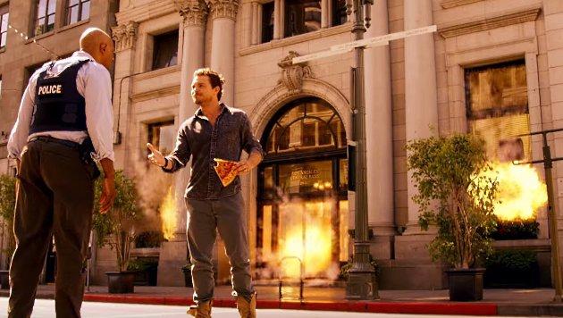 Die Arbeitsbeziehung zwischen Murtaugh und Riggs beginnt explosiv. (Bild: YouTube.com / FOX)