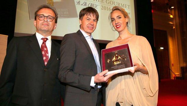 Stargast Joachim Wissler (Mitte) mit Gastgeber Christian Grünwald und Nadja Bernhard (Bild: KRISTIAN BISSUTI)