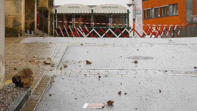 Die Kreuzrose stürzte nach dem Blitzschlag herab. (Bild: Gerhard Schiel)
