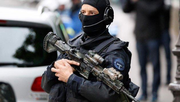 Frankreich: Amokläufer (80) erschießt Polizist (Bild: APA/AFP/Matthieu Alexandre (Symbolbild))