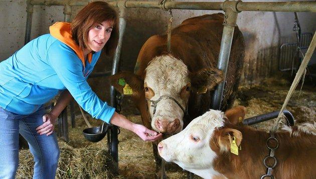 Landwirtin Martina St. mit  â01EMeloneâ01C, die für Aufregung sorgte (Bild: Marion Hörmandinger)
