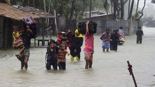 Mehr als 20 Tote durch Tropensturm in Bangladesch (Bild: APA/AFP)