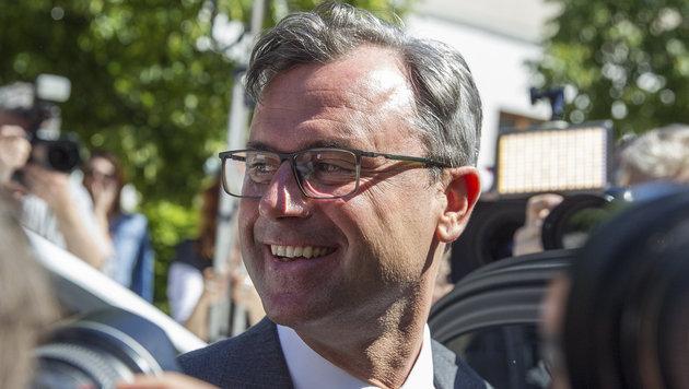 Der Hofburg-Wahlkrimi im krone.at-Protokoll (Bild: APA/ERWIN SCHERIAU)