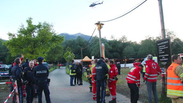 Amoklauf in Nenzing: Noch drei Opfer in Spitälern (Bild: APA/RONALD VLACH)