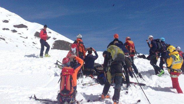 2 Alpinisten per Helikopter vom Sonnblick gerettet (Bild: LPD SALZBURG)
