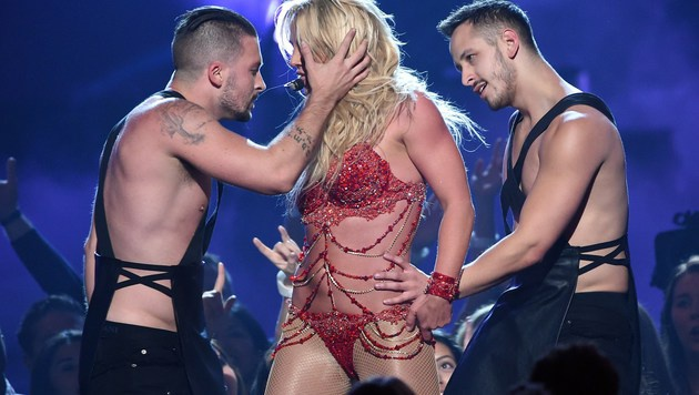 Britney Spears legte in Las Vegas eine heiße Show auf die Bühne. (Bild: APA/AFP/GETTY IMAGES/KEVIN WINTER)