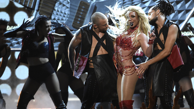 Britney Spears versexte mit ihrem Auftritt die Billboard Music Awards. (Bild: Chris Pizzello/Invision/AP)