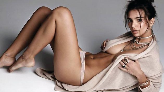 Emily Ratajkowski: Nacktfotos statt OP-Bekleidung (Bild: Viennareport)