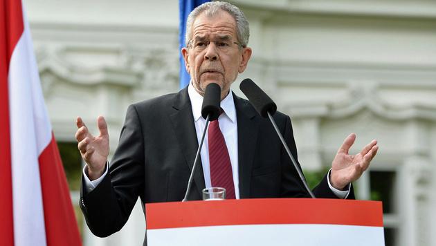 Van der Bellen bei seiner ersten großen Rede als künftiger Präsident (Bild: APA/Roland Schlager)