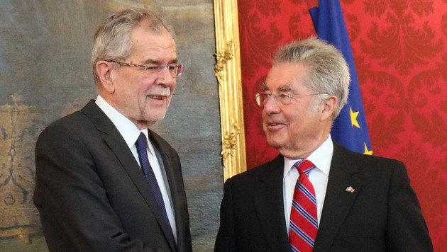 Alexander Van der Bellen und Ex-Präsident Heinz Fischer (Bild: ASSOCIATED PRESS)