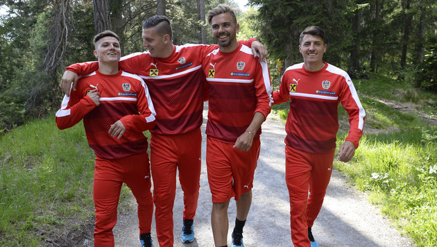 Marcel Sabitzer, Kevin Wimmer, Lukas Hinterseer und Alessandro Schöpf im ÖFB-Trainingslager (Bild: APA/ROBERT JAEGER)