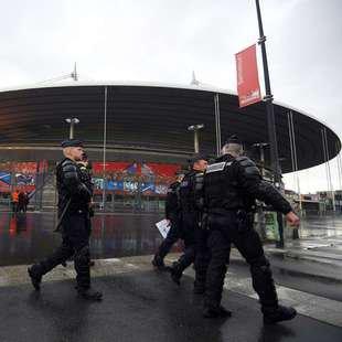 FRA-Innenminister versprach �ber 70.000 Polizisten (Bild: APA/AFP/FRANCK FIFE)