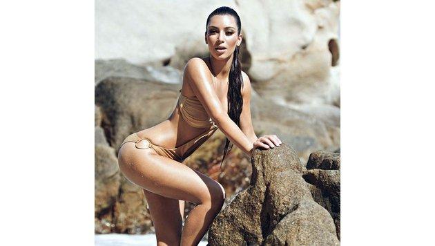 Kim Kardashian im Bikini (Bild: Viennareport)