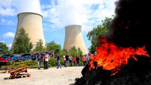 Demo vor dem Kernkraftwerk Nogent im Norden des Landes (Bild: APA/AFP/FRANCOIS NASCIMBENI)