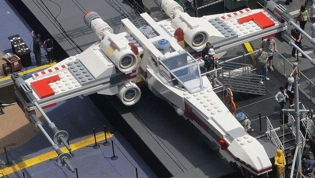 Ein Drittel trägt Waffen: Lego wird immer brutaler (Bild: AFP)
