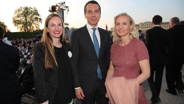 Maria Großbauer, Bundeskanzler Christian Kern und Ehefrau Eveline beim Sommernachtskonzert (Bild: Starpix/ Alexander TUMA)