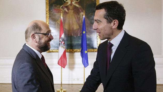 Kanzler Christian Kern traf am Donnerstag den Präsidenten des EU-Parlaments, Martin Schulz. (Bild: APA/BKA/ANDY WENZEL)