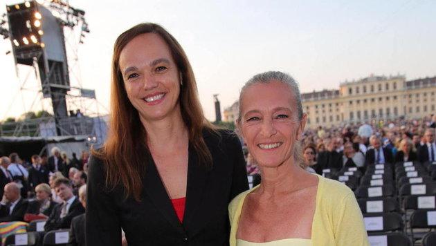 Bildungsministerin Sonja Hammerschmid mit Kathrin Zechner (Bild: Starpix/ Alexander TUMA)