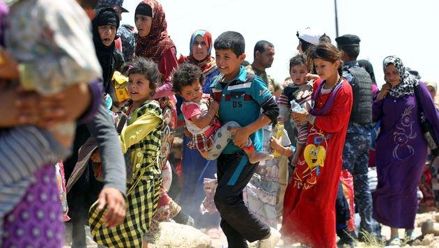 Massenflucht aus der irakischen Stadt Falludscha (Bild: AFP)