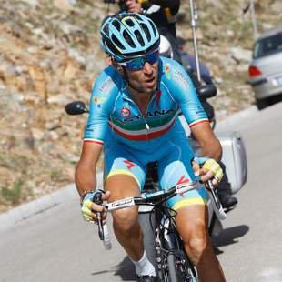 Nibali st�rmt auf letztem Berg ins Rosa Trikot! (Bild: APA/AFP/LUK BENIES)