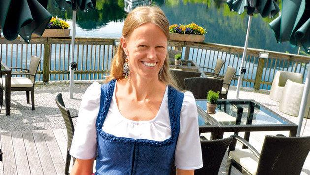 Eva Ott ist eine perfekte Gastgeberin im Seehotel Grundlsee. (Bild: Andrea Thomas, Kronen Zeitung)