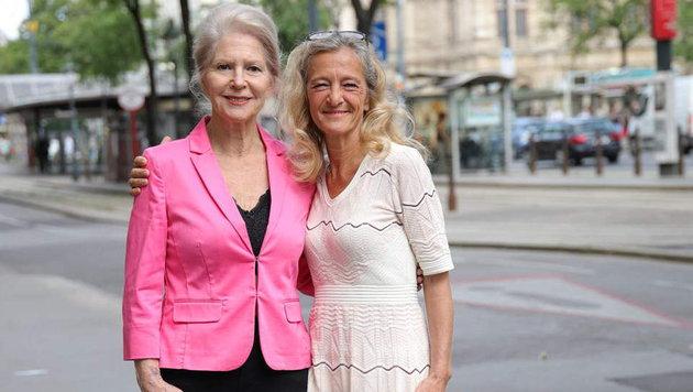 Christiane Hörbiger und Kathrin Zechner (Bild: Starpix/ Alexander TUMA)