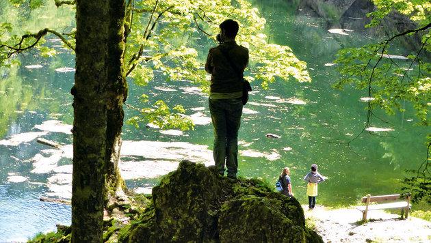 Dunkel und geheimnisvoll präsentiert sich der Kammersee. (Bild: Andrea Thomas, Kronen Zeitung)