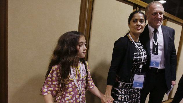 Salma Hayek mit Tochter Valentina und Ehemann Francois-Henri Pinault (Bild: AP)