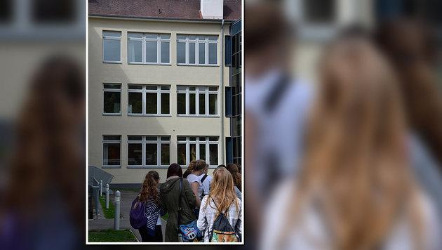 Der Zwölfjährige stürzte hier aus einem Fenster im zweiten Stock. (Bild: HEINZ WEEBER)