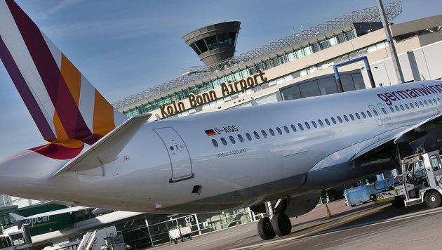 Flughafen Köln: Mann umging Sicherheitskontrolle (Bild: APA/dpa/Oliver Berg)