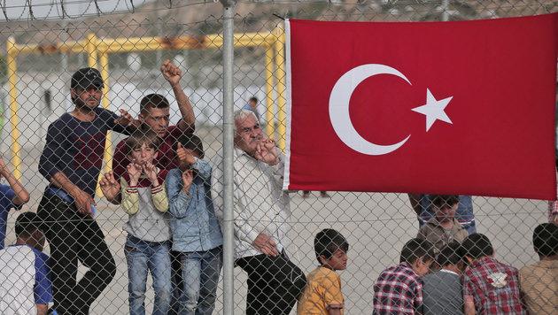 Türkei baut Selbstschussanlagen an der Grenze (Bild: AP)