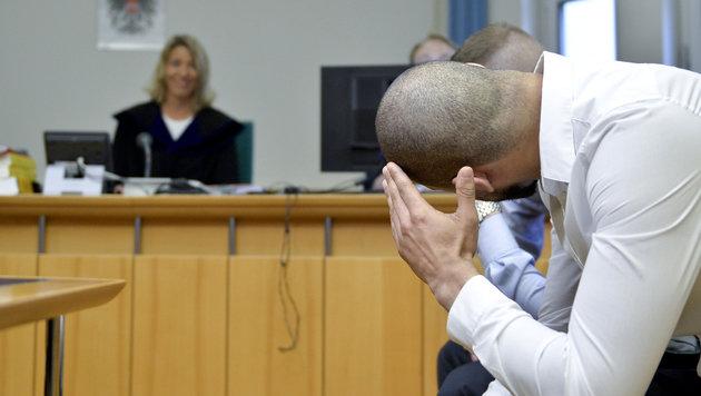 Körperverletzung: 10 Monate Haft für Sprayer Puber (Bild: APA/HERBERT NEUBAUER)