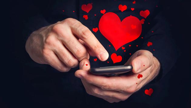 Ein Viertel der Österreicher verliebt sich online (Bild: thinkstockphotos.de)