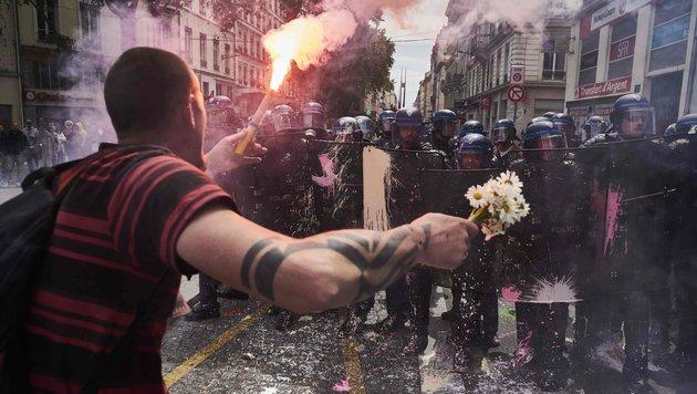 EURO 2016: Proteste lassen Gastgeber zittern (Bild: AFP)