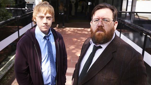 """Rupert Grint und Nick Frost stehen für """"Sick Note"""" gemeinsam vor der Kamera. (Bild: Sky Atlantic)"""