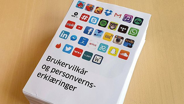 Die AGB der 33 Apps in ausgedruckter Form (Bild: twitter.com/Forbrukerradet)