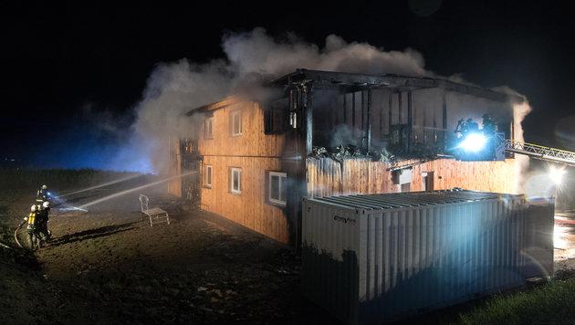 Der obere Teil des Gebäudes wurde komplett zerstört. (Bild: APA/FOTOKERSCHI.AT)