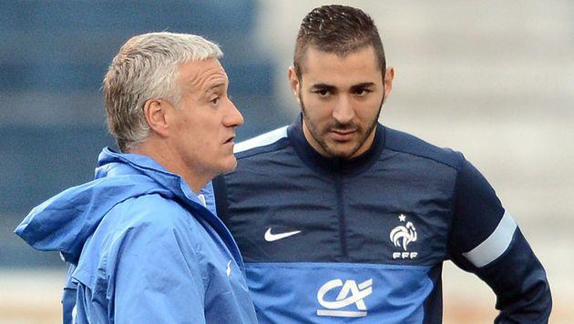 Benzema wirft Trainer Deschamps Rassismus vor (Bild: AFP)